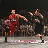 Not your normal setting: Streetball took over the dance floor at popular nightclub Ageha on Saturday. | KAZ NAGATSUKA