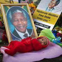 Doctors advised family to unplug Mandela life support