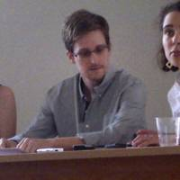 Snowden wants asylum in Russia — for now