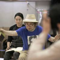 Director Keralino Sandorovich energetically explains what he wants during a rehearsal for 'The Seagull.' | TAKASHI KATO