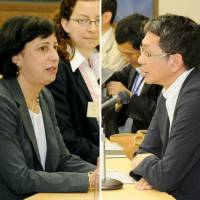 Trade talk: Deputy U.S. Trade Representative Wendy Cutler (left) and Takeo Mori, Japan's ambassador for economic diplomacy, attend a bilateral meeting on Trans-Pacific Partnership talks Wednesday in Tokyo. | KYODO