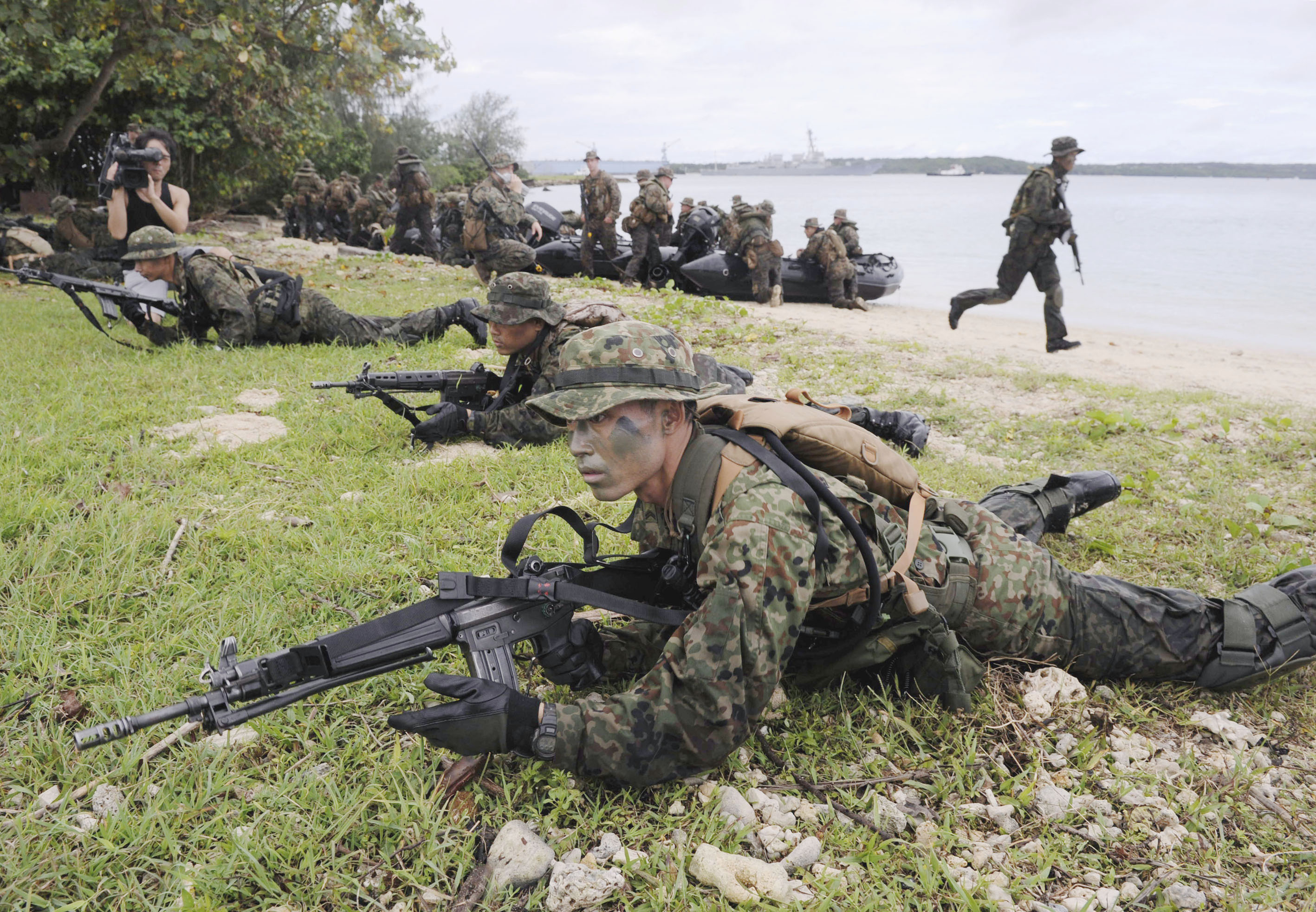 Nation's troops long way from hitting the beaches: experts