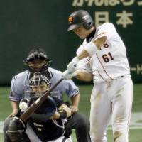 Nakai, Nishimura thrive in pressure-packed moments for Giants
