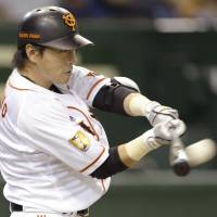 Giants' Chono slugs clutch home run in victory over Dragons