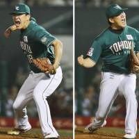 Remarkable: Tohoku Rakuten hurler Masahiro Tanaka won his 22nd consecutive decision on Friday, pitching seven scoreless innings for the Eagles. Tohoku Rakuten defeated the visiting Chiba Lotte Marines 5-0. | KYODO