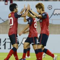 Osako hat trick helps Kashima defend Suruga Bank Championship