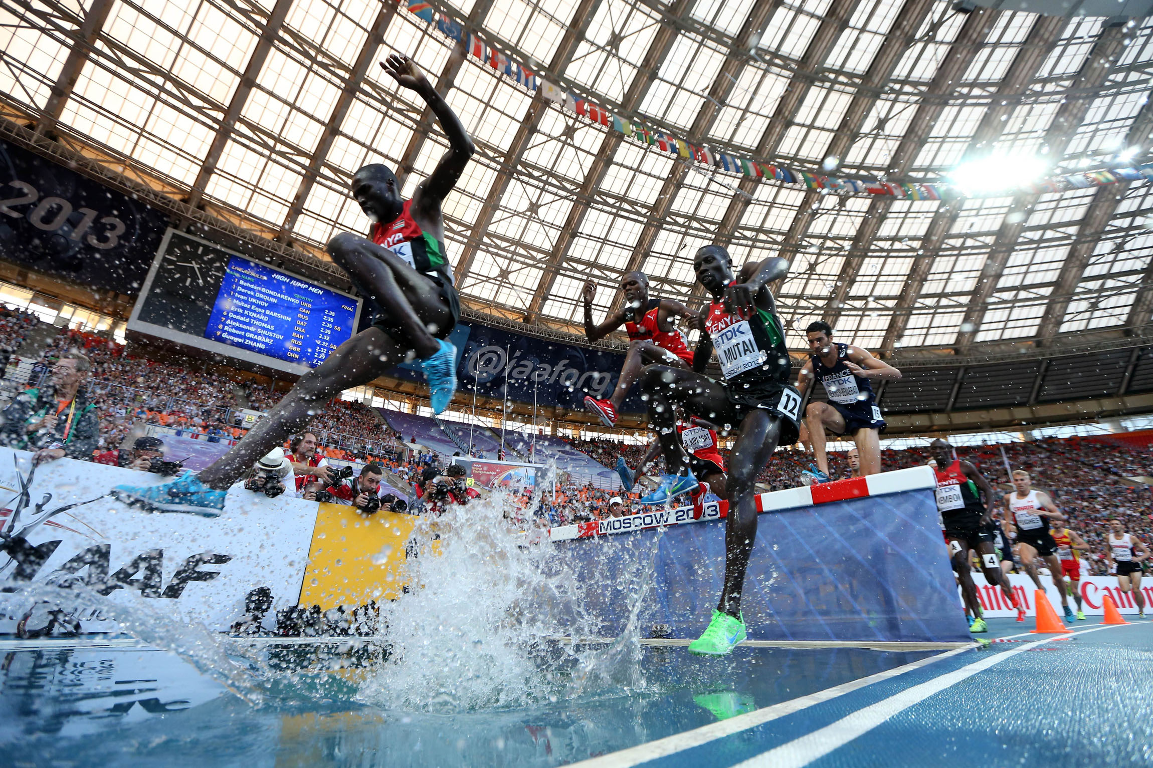 Kenya 39 S Kemboi Reigns Again With Stirring Steeplechase Win