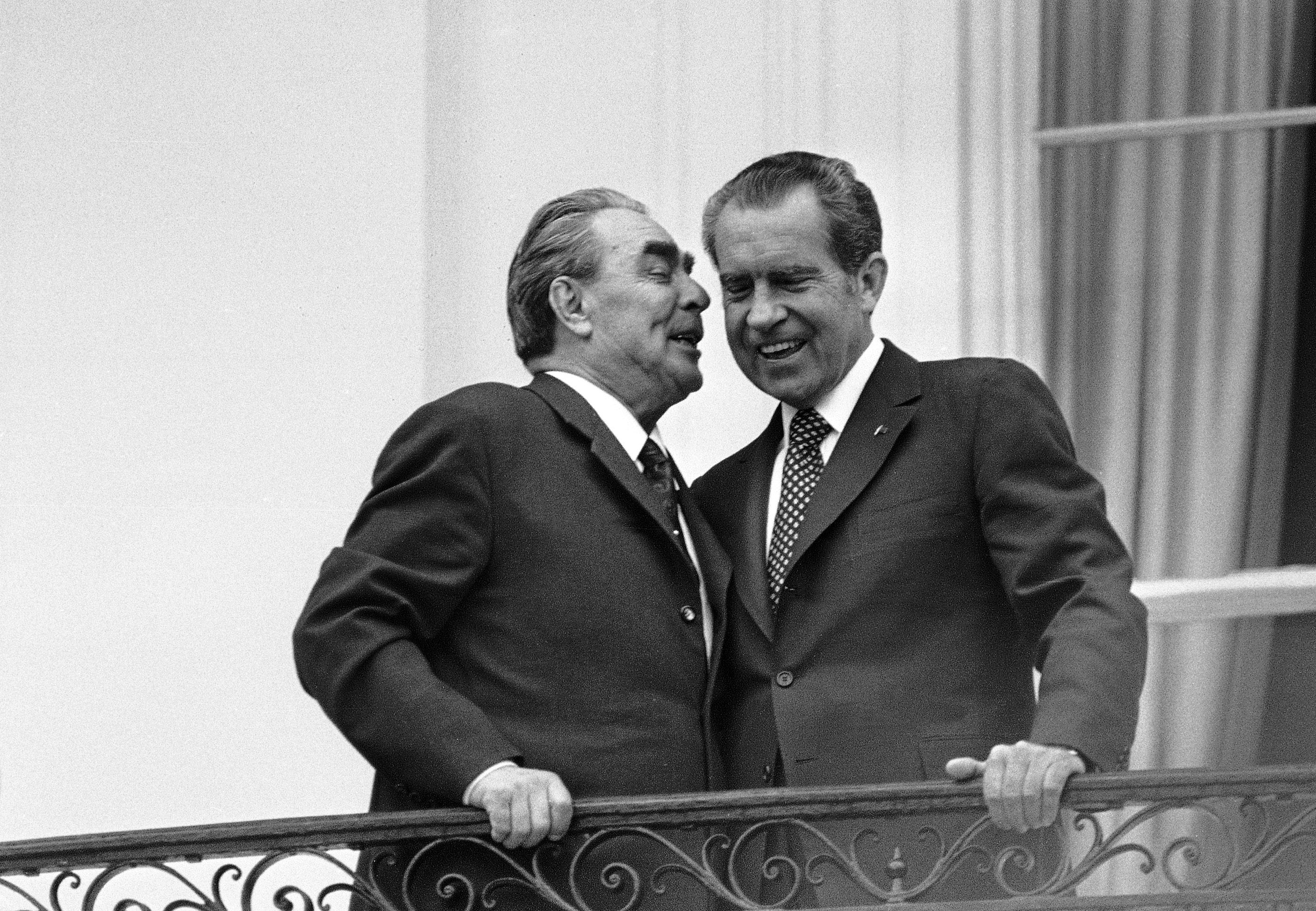 a study of the watergate scandal and the disgrace of president nixon Nixon and the watergate scandal creep, john mitchell's secret fund, watergate burglary, washington post, the watergate tapes, impeachment of president nixon, impact of watergate, new legislation lesson powerpoints.