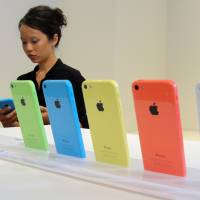 New iPhone 5C seen as too costly for most Chinese