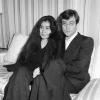 Let it be: John Lennon and Yoko Ono visit Tokyo in 1977. | KYODO