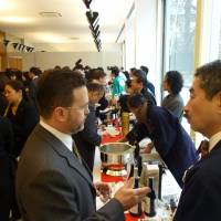 A large turnout attends a sake seminar and tasting event in New York in February. | JSS