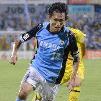 Fox in the box: Jubilo Iwata striker Ryoichi Maeda controls the ball during his team's 3-1 win over Kashiwa Reysol on Friday. | KYODO