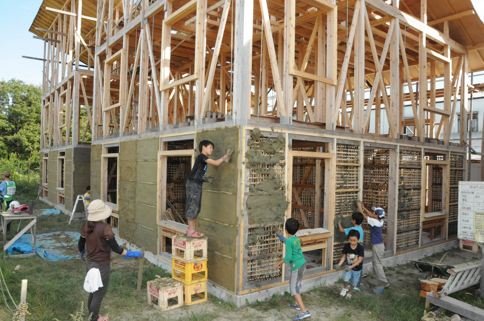 Nagoya temple erects home for all for guests the japan times for Help building a house