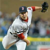 Tazawa, Uehara come up big again for Red Sox in Game 5