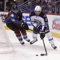 Streaking Avalanche take down Jets