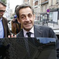 Graft charge dismissal may aid Sarkozy's return