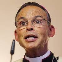 Pope expels German 'bishop of bling' from diocese during investigation