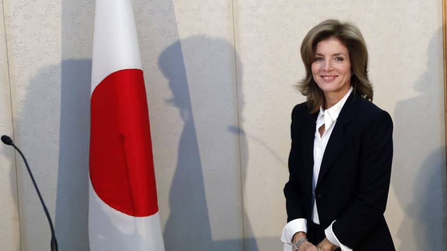 Step to the East: New U.S. Ambassador Caroline Kennedy smiles after arriving at Narita International Airport, east of Tokyo, on Friday