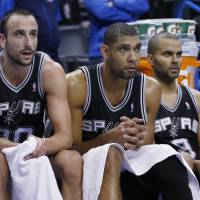 Hot shooting sinks Spurs