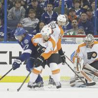 Lightning spoil Lecavalier's return to Tampa