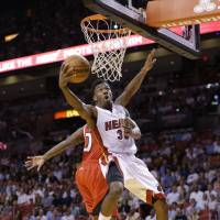 Backups help Heat in rout of Hawks