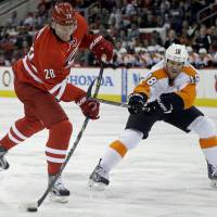 Ovechkin delivers vintage effort against Islanders