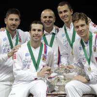 Stepanek comes through for Czechs