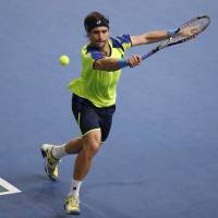 Ferrer shocks Nadal