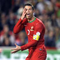 Ronaldo outshines Ibrahimovic in win