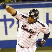 Best of the best: Wladimir Balentien slugged a single-season record 60 homers for the Swallows this year. | KYODO