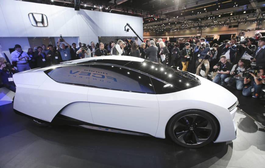 Fuel Cell Cars Make Splash At Auto Shows The Japan Times