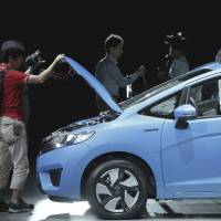 Toyota says Aqua more efficient than Fit