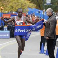 Kenyans triumph at NYC Marathon