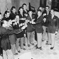 Surviving WWII Doolittle Raiders make final toast