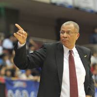 Impressive start: Toyama coach Bob Nash has led the club to a 13-2 start this season, including Saturday's 84-77 win over the Kyoto Hannaryz in Fukuchiyama, Kyoto Prefecture. | YOSHIAKI MIURA