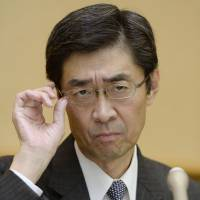 Besieged: JR Hokkaido chief Makoto Nojima attends a press conference on Wednesday at the railway's headquarters in Sapporo | KYODO