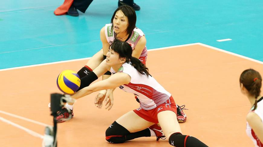 In position: Japan's Risa Shinnabe digs the ball on Tuesday night against Russia in the teams' FIVB Women's Grand Champions Cup match in Nagoya. Japan defeated Russia in four sets