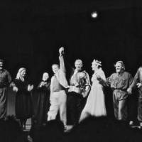 The Royal National Theatre's 1990 season at the Tokyo Globe ended with this curtain call. | STUART VARNAM-ATKIN PHOTO