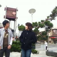 Thanks for coming: Japan-born residents  Takeshi Ebato and  Yukina Matsuo meet in San Francisco's Japantown. | NICOLAS GATTIG