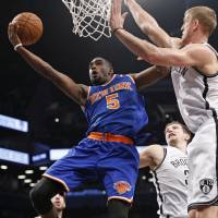 Knicks dominate Nets in first meeting of year