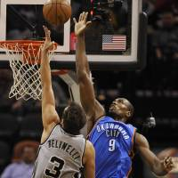 Westbrook leads Thunder past Spurs