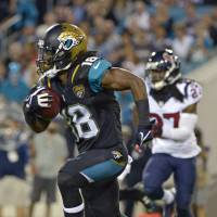 Jaguars claw past Texans