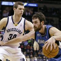 Hot-shooting Love leads charge as T-Wolves end losing streak