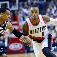 Blazers rout woeful Jazz
