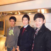 'Washoku' ambassadors: Three South Koreans studying cooking at Hattori Nutrition College in Tokyo, (from right) Yoo Woo-sang, Seo Dong-young, and Lee Jung-noh, hail the government's plan to allow foreign graduates to start paid apprenticeships at local Japanese restaurants during an interview on Thursday. | TOMOHIRO OSAKI