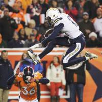 Broncos misstep stirs playoff race