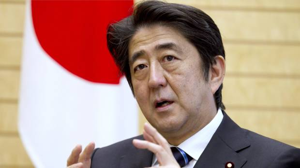 Abe gets Toyota, Hitachi help in push for wage gains