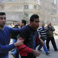 Five die during clashes between Egypt police, Morsi supporters