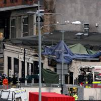 Several die after police helicopter crashes onto roof of pub in Glasgow