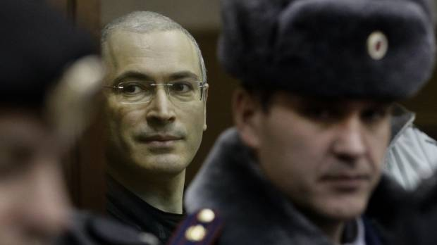 Putin to pardon tycoon Khodorkovsky ahead of Olympics